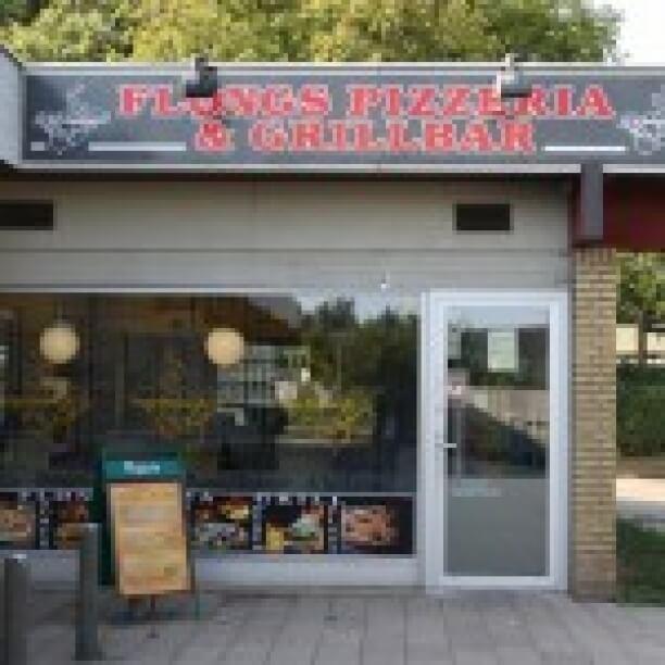 Restauranten drives af en erfaren restauratør, hvis familie også driver restauranter. Fløng Pizzaria tilbyder et flot og lækkert menukort med hjemmelavet retter af friske råvarer - hjemmelavet burgere, hjemmelavet pitabrød, fantastiske specielle sandwich og lækre pizzaer. Hvis du kan lide god italiensk mad, vil du ikke blive skuffet hos Fløng Pizzaria ! Fløng Pizzaria har højst sandsynlig noget til din smag også! Vi yder god service og levering! Vi glæder os til at servere for dig